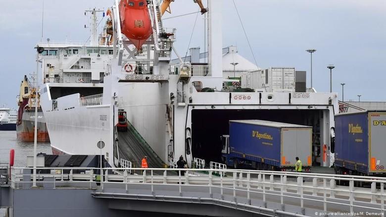 Lagi, 8 Orang Ditemukan Nyaris Tewas di Truk Kontainer di Prancis