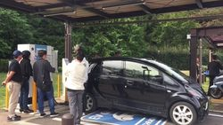 Melihat Tempat Ngecas Mobil Listrik di Jepang