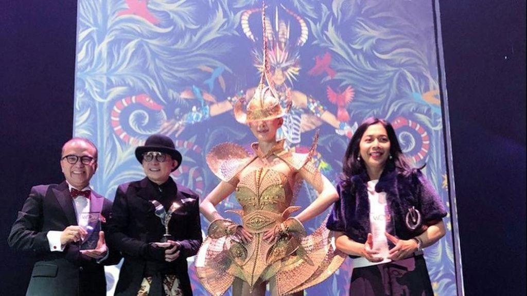 Tak Sekolah Fashion, Rinaldy Yunardi Juara Dunia Lomba Rancang Aksesori