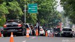 Suasana Lalu Lintas di Jalan Kemang Raya yang Dibagi 3 Lajur