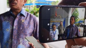 Kepala Badan Siber Ajak Menkominfo Johnny Bentengi Internet Indonesia