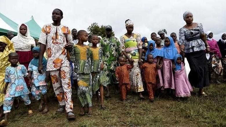 Festival orang kembar di Nigeria (Pius Utomi Ekpei/AFP)