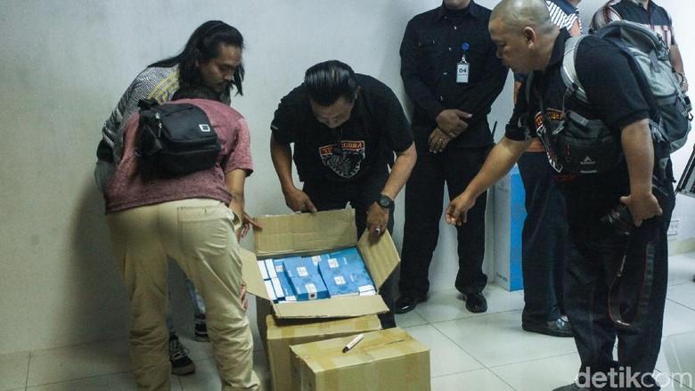 Polisi Gerebek Kantor Qnet Di Setiabudi Soal Investasi Bodong Foto 5