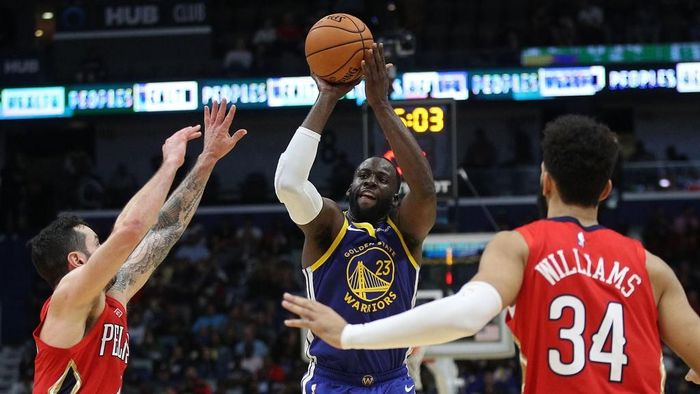 Golden State Warriors meraih kemenangan perdana di NBA musim ini usai mengalahkan New Orleans Perlicans (Foto: Graythen/Getty Image)