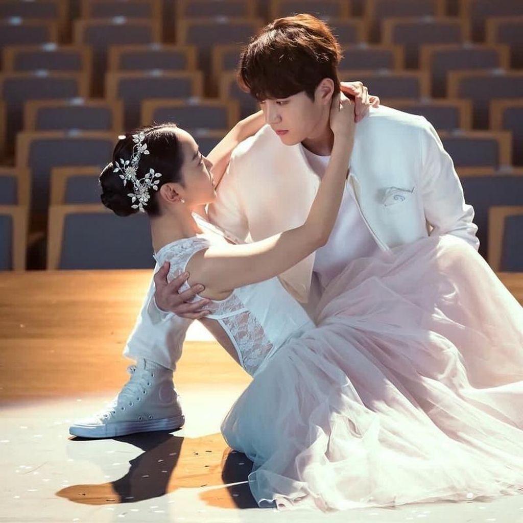 Shin Hye-sun Nangis Ciuman dengan Kim Myung-soo di Angels Last Mission
