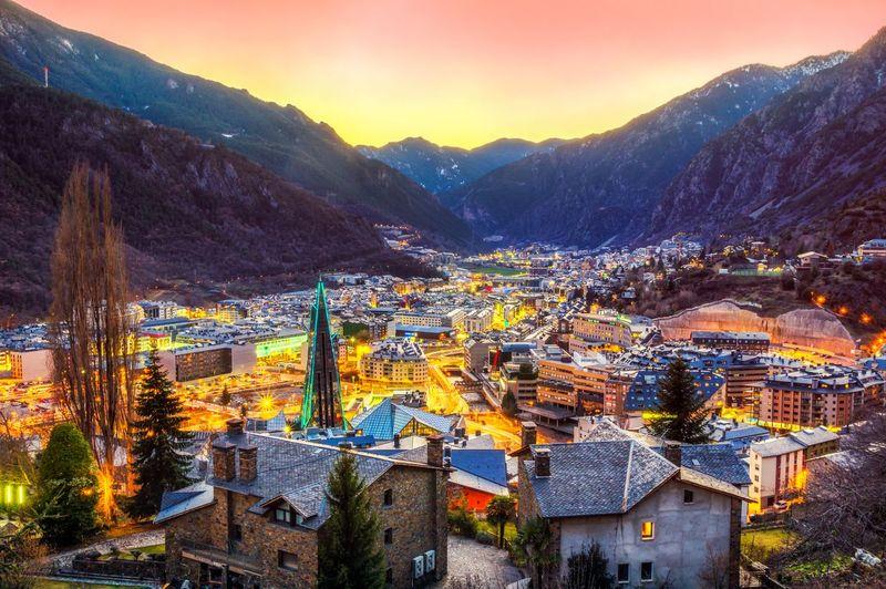 Ada 6 negara kecil di Eropa yang luasnya lebih kecil dari Jakarta. Dimulai dari Andorra yang luasnya 486 km persegi dengan jumlah penduduk 76 ribu orang (iStock)