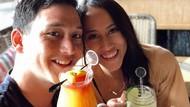 Mike Lewis dan Janisaa Tunggu Waktu Tepat untuk Menikah
