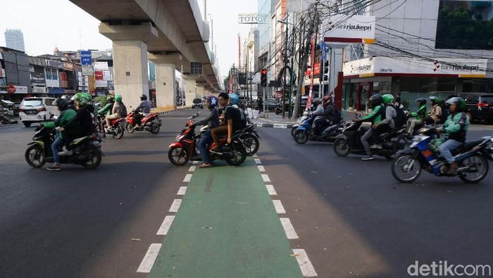 Foto: Jalur sepeda di Jakarta. (Grandyos Zafna-detikcom)