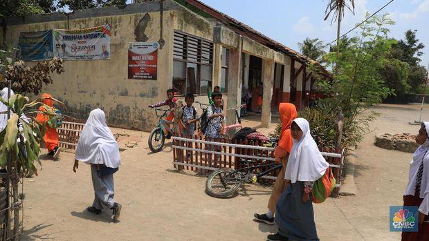 Jokowi Minta Pusat-Daerah 'Keroyokan' Perbaiki Sekolah Rusak