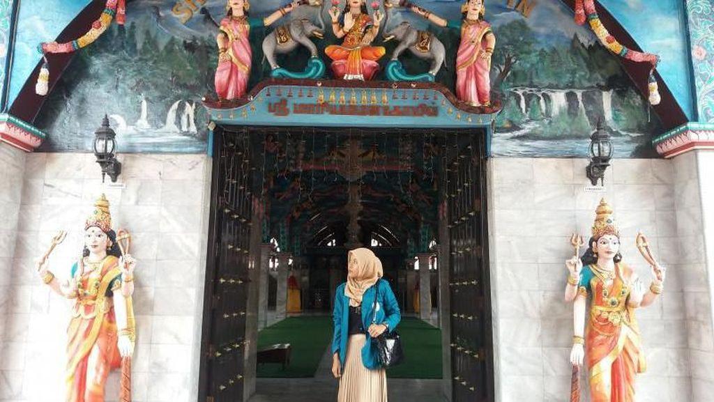 Mengintip Kuil Hindu Tertua di Medan