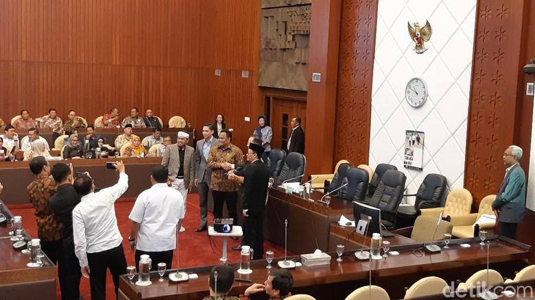 DPR Tetapkan Pimpinan Komisi IV Mitra Menteri KKP Edhy Prabowo