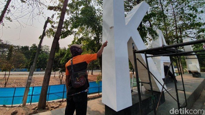 Landmark Kota Bekasi dicat ulang. (Foto: Isal/detikcom)