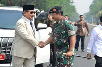 Kunjungi Mabes TNI, Prabowo Janji Perkuat Kemampuan SDM dan Alutsista
