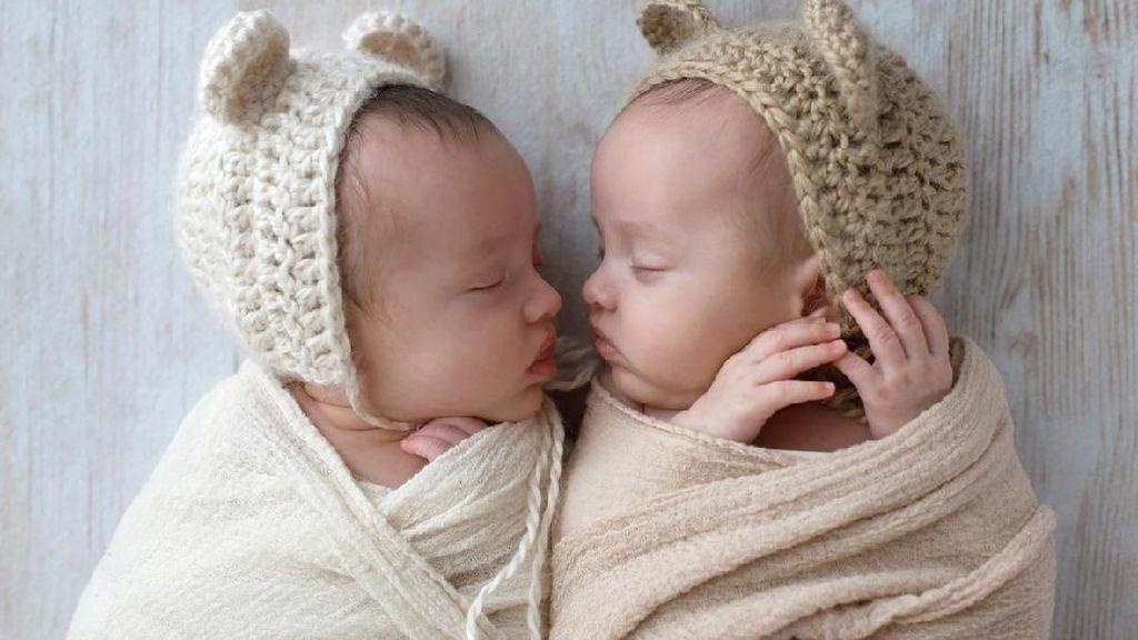 Bayi Kembar Laki-Laki Terkecil di Dunia Lahir Hanya Berbobot 450 Gram