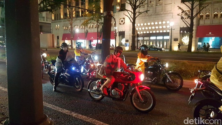 Anak Motor Jepang Pakai Kostum dan Topeng untuk Rayakan Halloween. Foto: Rangga Rahadiansyah