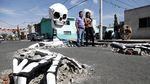 Ngeri! Tengkorak Raksasa Muncul dari Dalam Tanah di Meksiko