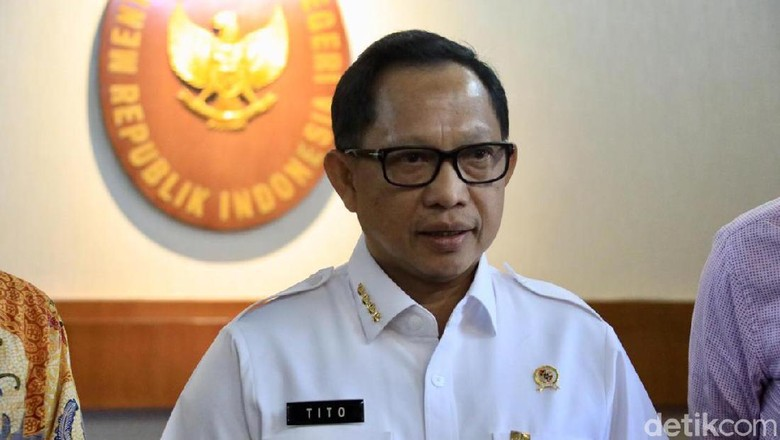 Mendagri Tito Minta Kepala Daerah Tertibkan Pengelolaan Parkir