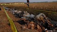 Hiii... Lumpur Beracun dan Bau Dikubur di Lahan Perumahan Karawang