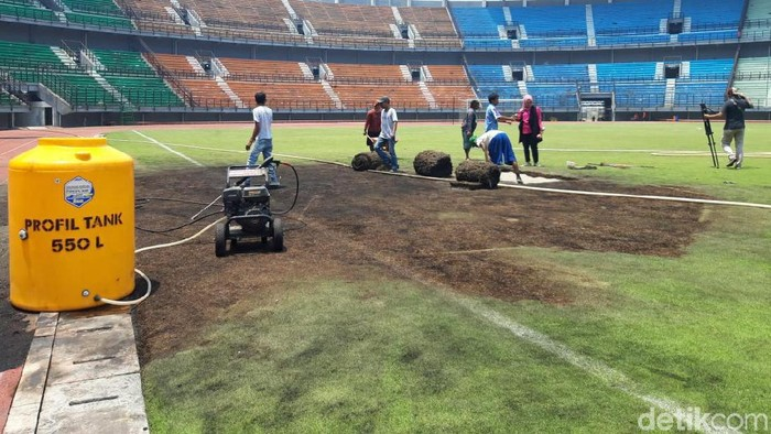 Stadion GBT pascakerusuhan suporter (Deny Prastyo Utomo/detikcom)