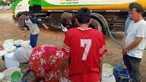 6 Bulan Kekeringan, Warga Cibarusah Harus Jalan 5 Km demi Air Bersih