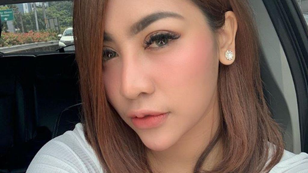 Liza Aditya Dicueki Saat Ultah, Hotman Paris Sentil YouTuber Terkenal