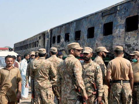 Kondisi gerbong kereta yang terbakar habis
