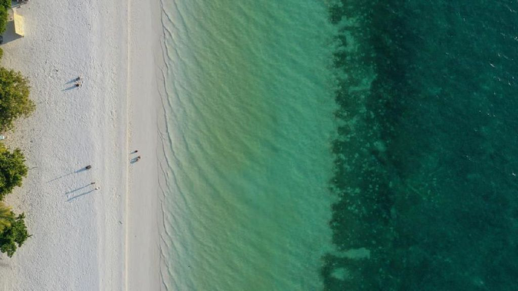 13 Pantai Terindah di Dunia yang Cantik Banget