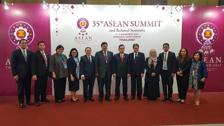 Pimpin Delegasi Indonesia di Pertemuan MEA, Airlangga Akan Bahas Ini