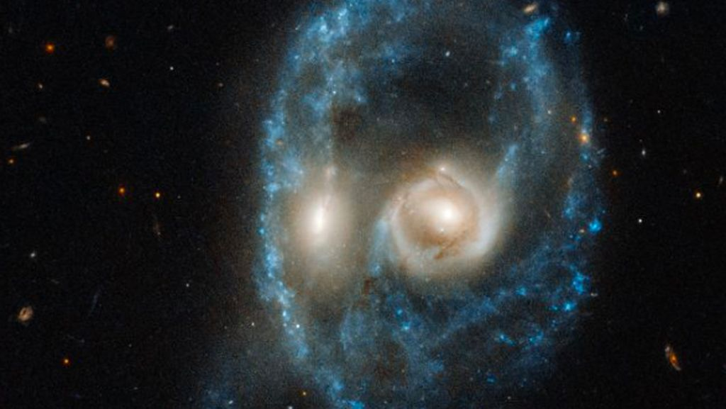 Teleskop Hubble Abadikan Penampakan Hantu Luar Angkasa