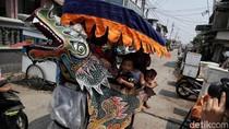 Potret Odong-odong, Hiburan Murah yang Terancam Dilarang Operasi