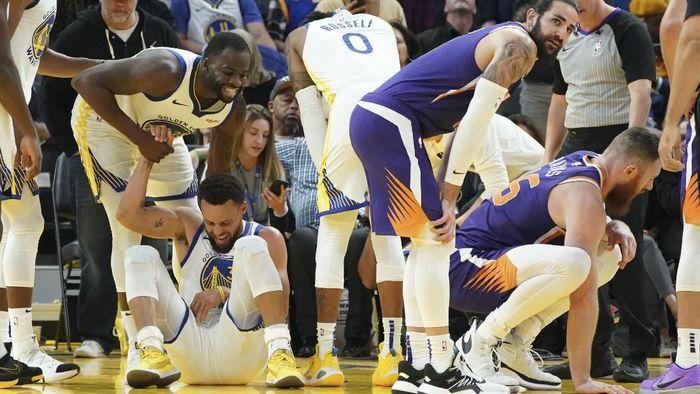 Stephen Curry mengalami cedera patah tulang tangan kiri (Foto: Kyle Terada-USA TODAY Sports)