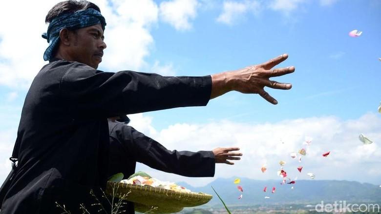 Lelaki di Kampung Adat Cirendeu, Cimahi (Yudha Maulana/detikcom)