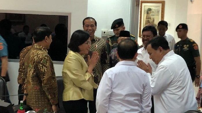 Foto: Prabowo dan Sri Mulyani akrab (20Detik)