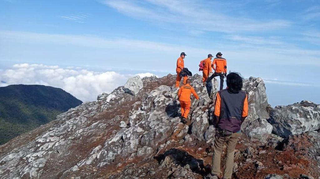 Pencarian 2 Pendaki Asal Jambi Hilang di Gunung Dempo Sumsel Dihentikan