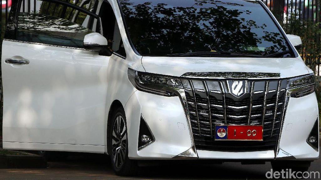Melihat Mobil Pribadi Prabowo yang Pakai Pelat 1-00 Saat ke Istana