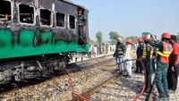 Empat orang lainnya tewas dalam kecelakaan pada September lalu. Kemudian tahun 2005 lalu, sekitar 130 orang tewas setelah sebuah rangkaian kereta menabrak rangkaian kereta lainnya di sebuah stasiun di Provinsi Sindh.
