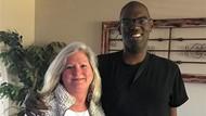 Mengharukan, Kisah Perawat Adopsi Pria Autis yang Butuh Donor Jantung