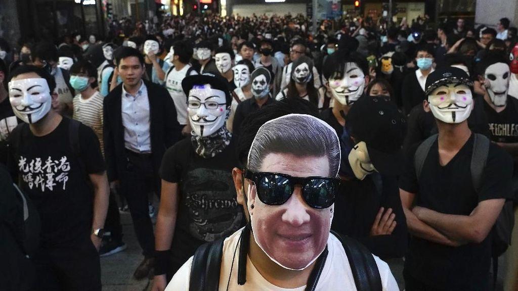 Demo Hong Kong Bikin Investor Lari ke Singapura