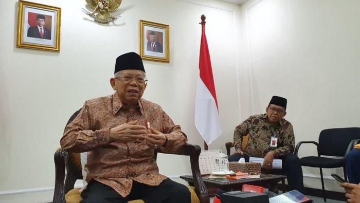 Foto: Wakil Presiden, KH Maruf Amin, memberikan keterangan pers di Kantor Wakil Presiden, di Jakarta, Jumat (1/11/2019). ANTARA/Fransiska Ninditya