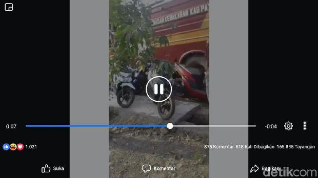 Viral Video Mobil Damkar 'Tabrak' Sejumlah Motor di Pati