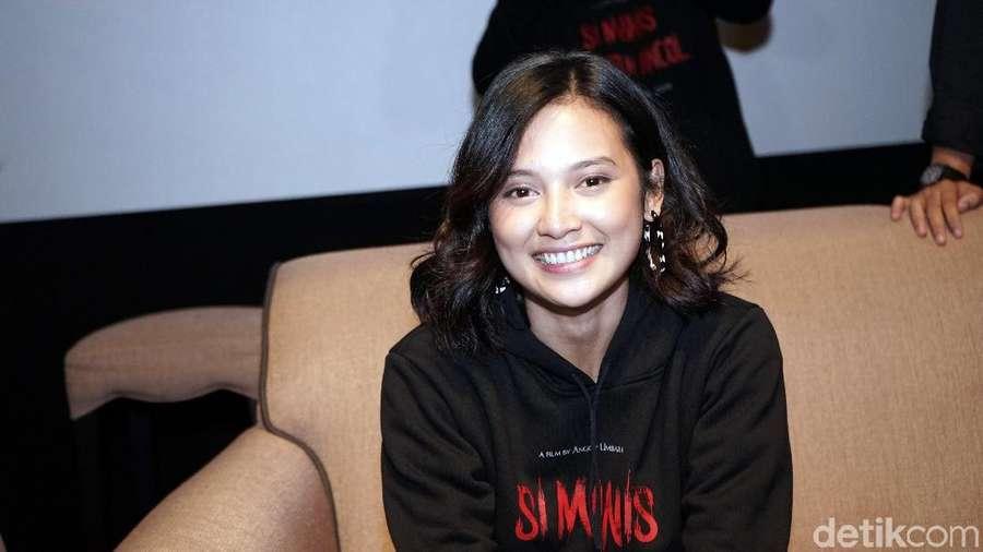 Senyum Indah Permatasari saat Ditanya soal Ibunda dan Arie Kriting