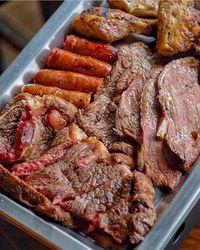5 Tempat Makan Daging Panggang ala Amerika Latin yang Memuaskan