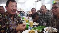 Menteri Kesehatan dr.Terawan Pilih Ayam Penyet Saat Makan di Kantin Kemenkes