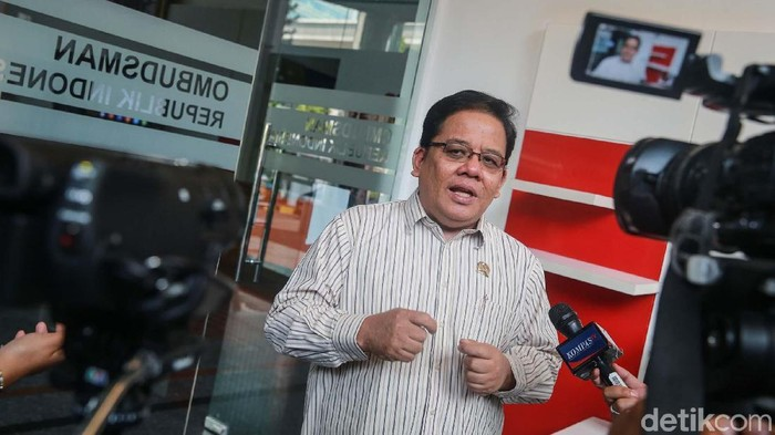 Polemik e-budgeting di Pemprov DKI Jakarta terus dibahas. Kali ini Komisioner Ombudsman RI (ORI), Adrianus Meliala ikut mengomentari.