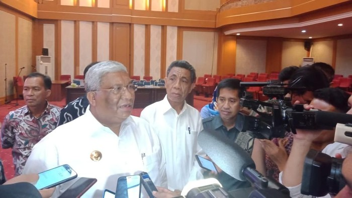Gubernur Sulawesi Tenggara Ali Mazi