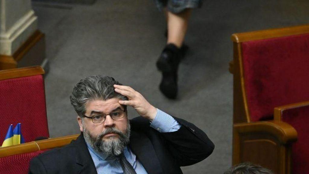 Ups! Politikus Ukraina Ketahuan Chatting dengan PSK Saat Rapat Parlemen