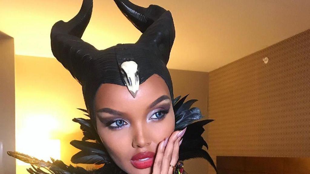 Hijabers Halima Aden Dipuji dan Dicaci karena Jadi Maleficent Saat Halloween