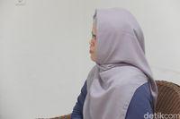 Cerita Dini, pria yang suka pakai hijab tentang awal ia mulai mencoba menjadi crossdresser