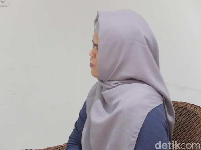 Pengakuan Dini, pria cross hijaber. Foto: Anggi Mayasari/Wolipop