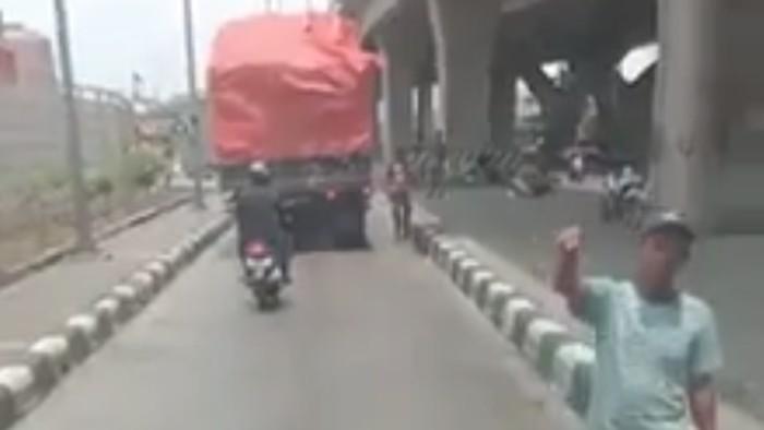 Video viral pemalakan terhadap sopir truk di Pelabuhan Tanjung Priok